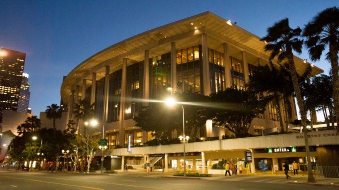 神韵洛杉矶音乐中心多萝西‧钱德勒剧院