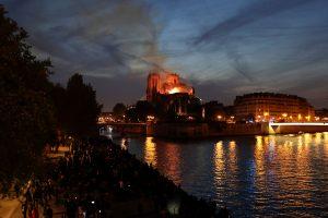 巴黎圣母院大火