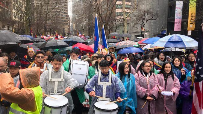中共媒体藏人自焚