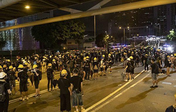 七一, 香港, 立法会, 撤离, 死谏