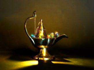 古印度德瓶和阿拉丁神灯这二则故事,一个留下了反面教训;一个留下了正面教训。(公有领域)