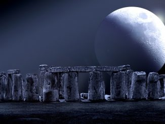 """既然月亮是可以""""修""""的,难道说月亮是""""造出来""""的?又是谁造出来的呢?"""