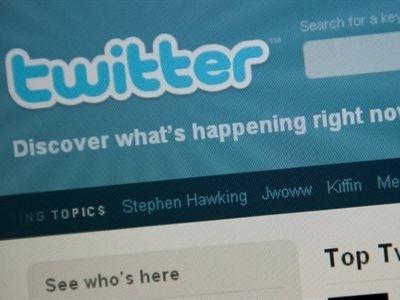新闻看点, 舆论战, 推特, 脸书