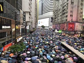 8.18香港游行