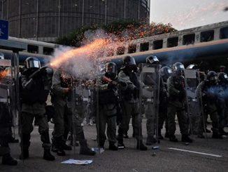 香港反送中, 观塘游行, 港铁, 催泪弹