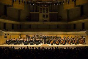 2019年10月6日下午,享誉国际的神韵交响乐团在多伦多著名的罗伊.汤姆森音乐