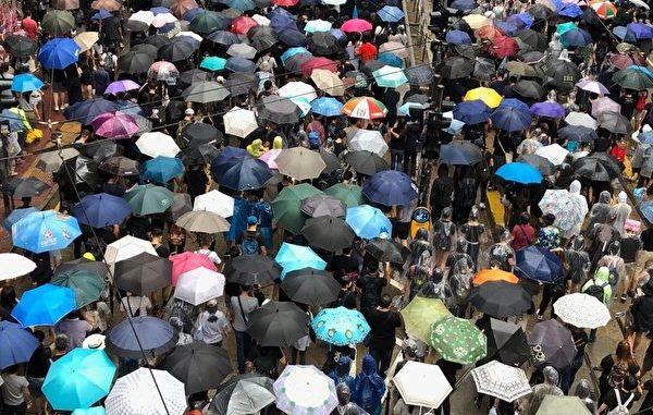 香港政府, 禁蒙面法, 铜锣湾, 催泪弹