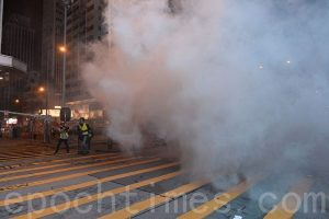 万枚催泪弹, 危害香港第二代, 婴儿受伤害, 陈小春为儿子转学, 台湾
