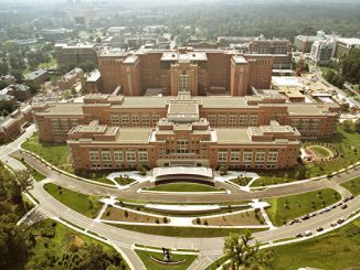 NIH, 经济间谍, 中共