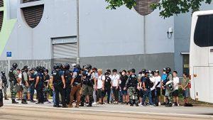 7月1日下午5时,维园大批年轻市民被截查及被捕