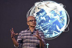 周日(8月2日),微软公司证实,将继续推进购买中国公司字节跳动拥有的TikTok(抖音海外版)的事宜。图为微软CEO纳德拉。