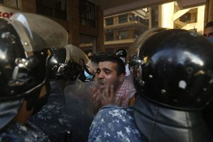 2020年8月8日,黎巴嫩贝鲁特爆发反政府抗议活动。